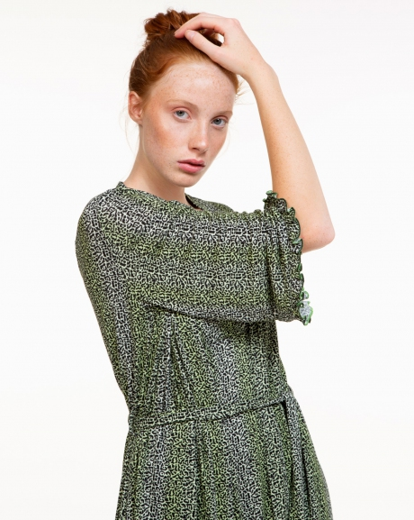 Light kimono in spotted micropattern