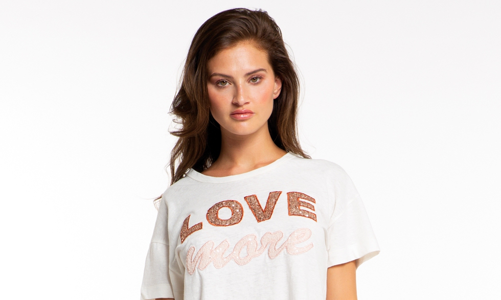 T-shirt Love More